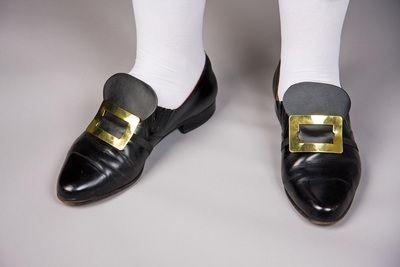 Goldene Schuhschnallen